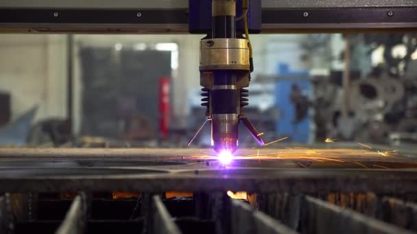 Plasma cutter- An important tool for a steel provider.